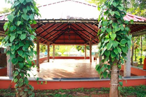 La Flora Sharmada Hidden Nest
