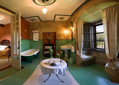 Superior Double Room Pazo de Bentraces 1