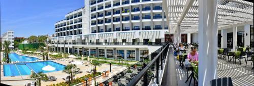 Seaden Valentine Resort & Spa - Adult Only +16, Side
