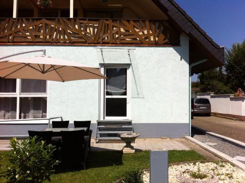 A & J Gästezimmer Hirsch front view