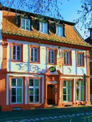 Hotel und Weinstube Romischer Kaiser (B&B)