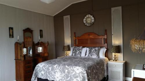 Bedrock Lodge