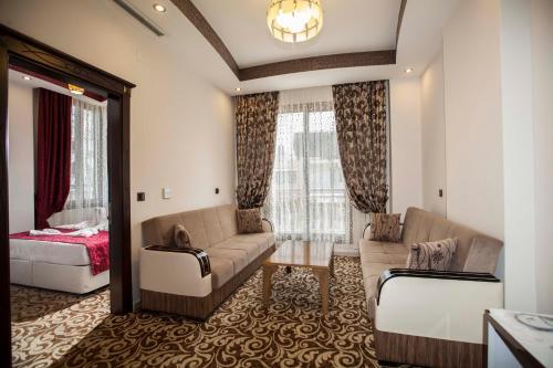 Zeyn Hotel, Harbiye