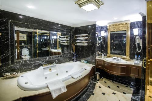 Grand Excelsior Hotel Deira photo 45
