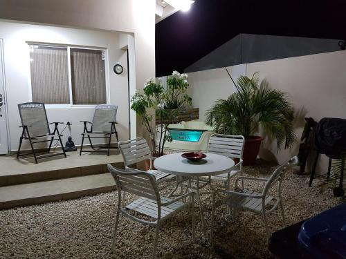 Mi Cadushi Apartments, Palm Beach