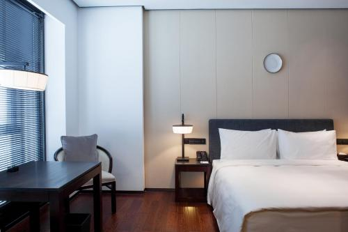 Spring Promo - Deluxe Double Room