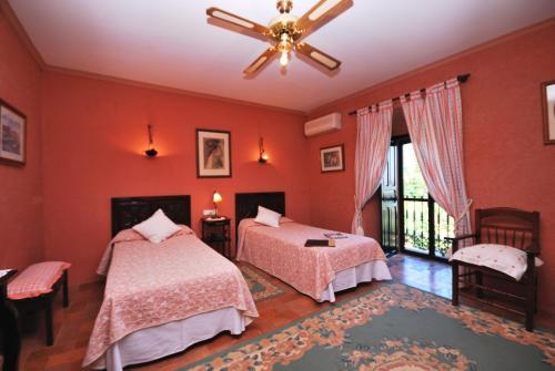 Habitación Doble con vistas - 1 o 2 camas   B&B Hacienda el Santiscal 4