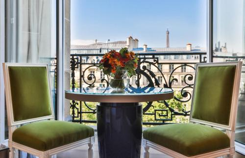 Apartmá Deluxe se 2 ložnicemi a výhledem na Champs-Elysées (Two-Bedroom Deluxe Suite with Champs Elysees View)