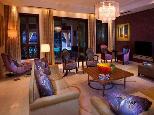Shangri-La Hotel, Qaryat Al Beri photo 19