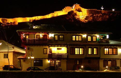 Family Hotel Varosha 2003
