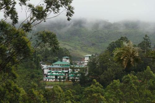 Отель T & U Leisure Hotel Munnar 3 звезды Индия
