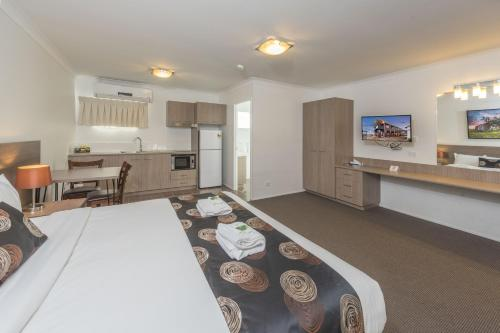 Executive King Suite A