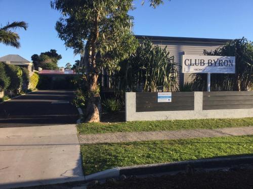 Club Byron Motel