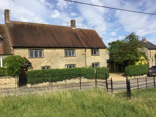 Cross Lane Cottage