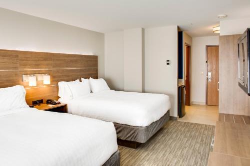 Holiday Inn Express Hotel & Suites Chickasha