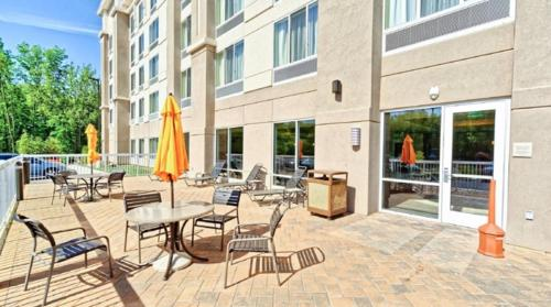 hotels near garden state discovery museum mount laurel hilton garden inn mt laurel - Garden State Discovery Museum