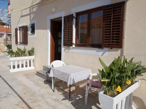 One-Bedroom Apartment in Bibinje I