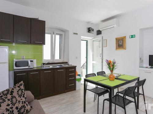 Apartment in Sumpetar/Split Riviera 7264