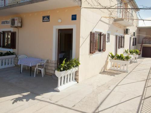 One-Bedroom Apartment in Bibinje II