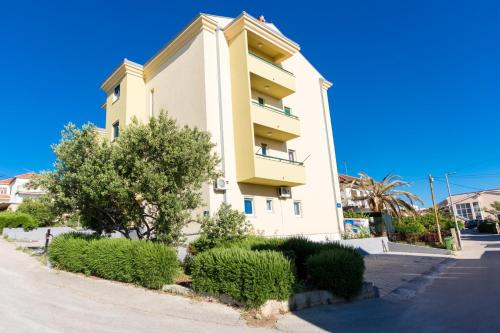 One-Bedroom Apartment in Okrug Gornji V