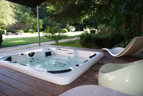 b b villa paula tourcoing france overview. Black Bedroom Furniture Sets. Home Design Ideas