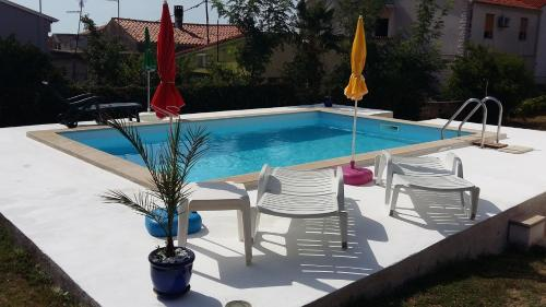 Two-Bedroom Apartment in Ližnjan/Istrien 9038