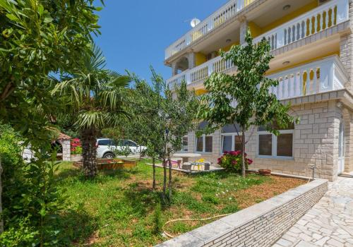 Two-Bedroom Apartment Crikvenica 32