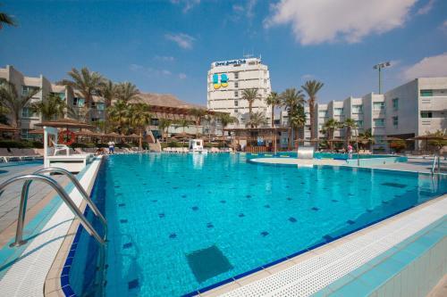 U Coral Beach Club Eilat – Ultra All inclusive front view