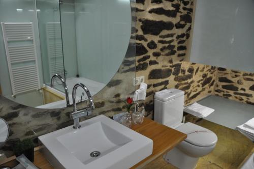 Double or Twin Room - single occupancy Posada Real La Carteria 5
