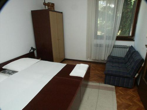 Apartment Opric 2319a