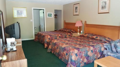Pathfinder Motel & R.V. Park