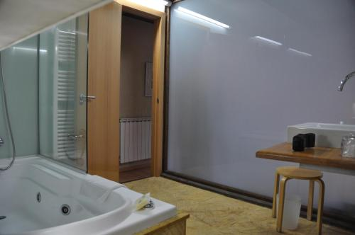 Double or Twin Room - single occupancy Posada Real La Carteria 9