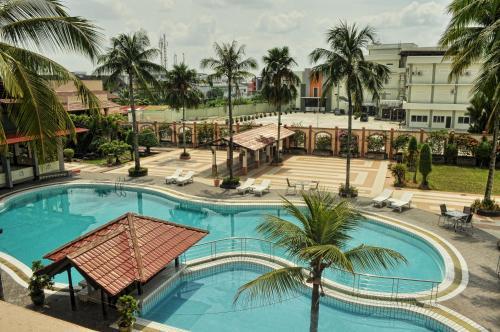 Отель Kapuas Palace Hotel 3 звезды Индонезия