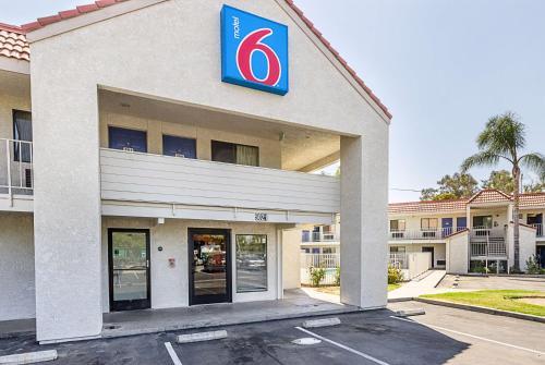 Motel 6 Fresno - North Barcus Avenue