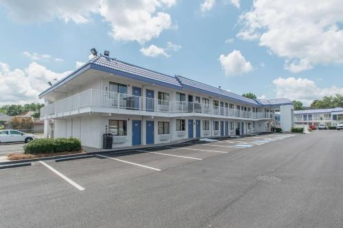 Motel 6 Atlanta Northeast Norcross Hotel