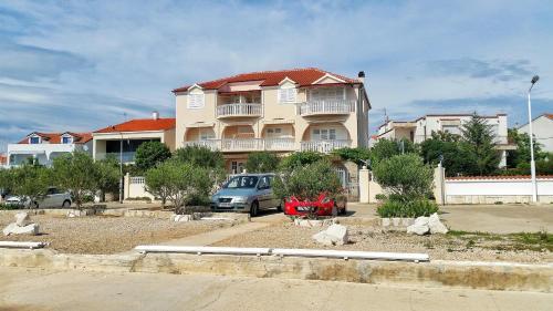 Apartment Brodarica 4194b