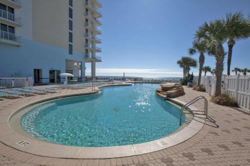 majestic beach towers resort by panhandle getaways panama. Black Bedroom Furniture Sets. Home Design Ideas