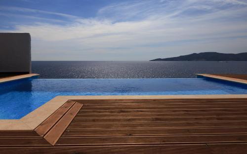 Aegean Seafront Villa