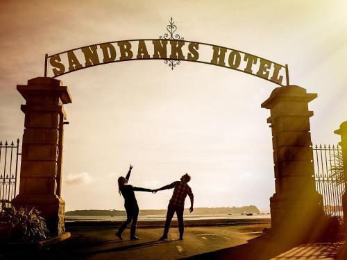 15 Banks Rd, Sandbanks, Poole, BH13 7PS, Dorset.