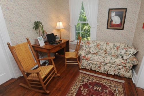 Dry Ridge Inn Bed & Breakfast