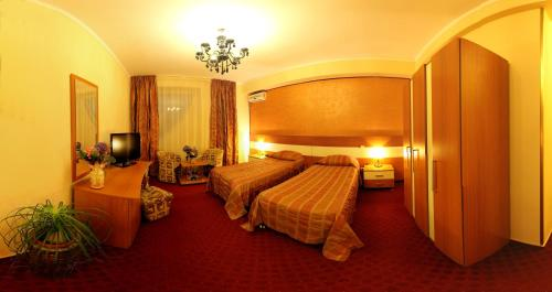 Double or Twin Room with Full Board