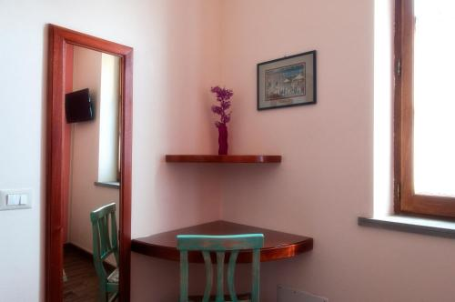 Habitació Individual amb bany privat exterior (Single Room with Private External Bathroom)