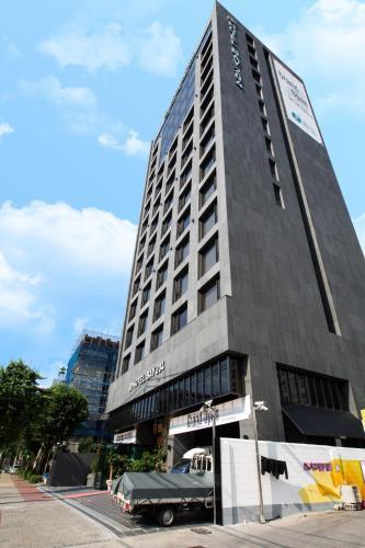 Dobong Hotel Bay 204