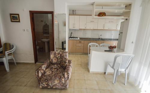 Erikli Apartment No 6, Erikli