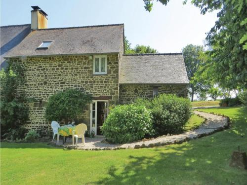 Holiday home Couemes-Vaucé K-903
