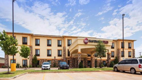 Best Western Plus Fairview Inn & Suites