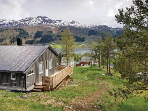 Three-Bedroom Holiday Home in Vossestrand