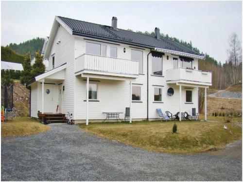 Three-Bedroom Holiday home Skien with a Fireplace 07