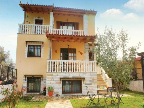 Three-Bedroom Holiday Home in Oropos