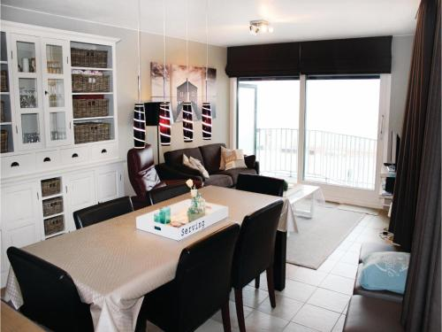 Two-Bedroom Apartment Oostende with Sea View 09